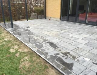 Terrasse en pierre Bleue brut de sciage